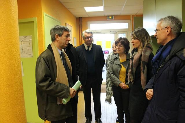 « CP dédoublés » en REP+: visite du recteur à l'école élémentaire Jean Rostand à Lormont