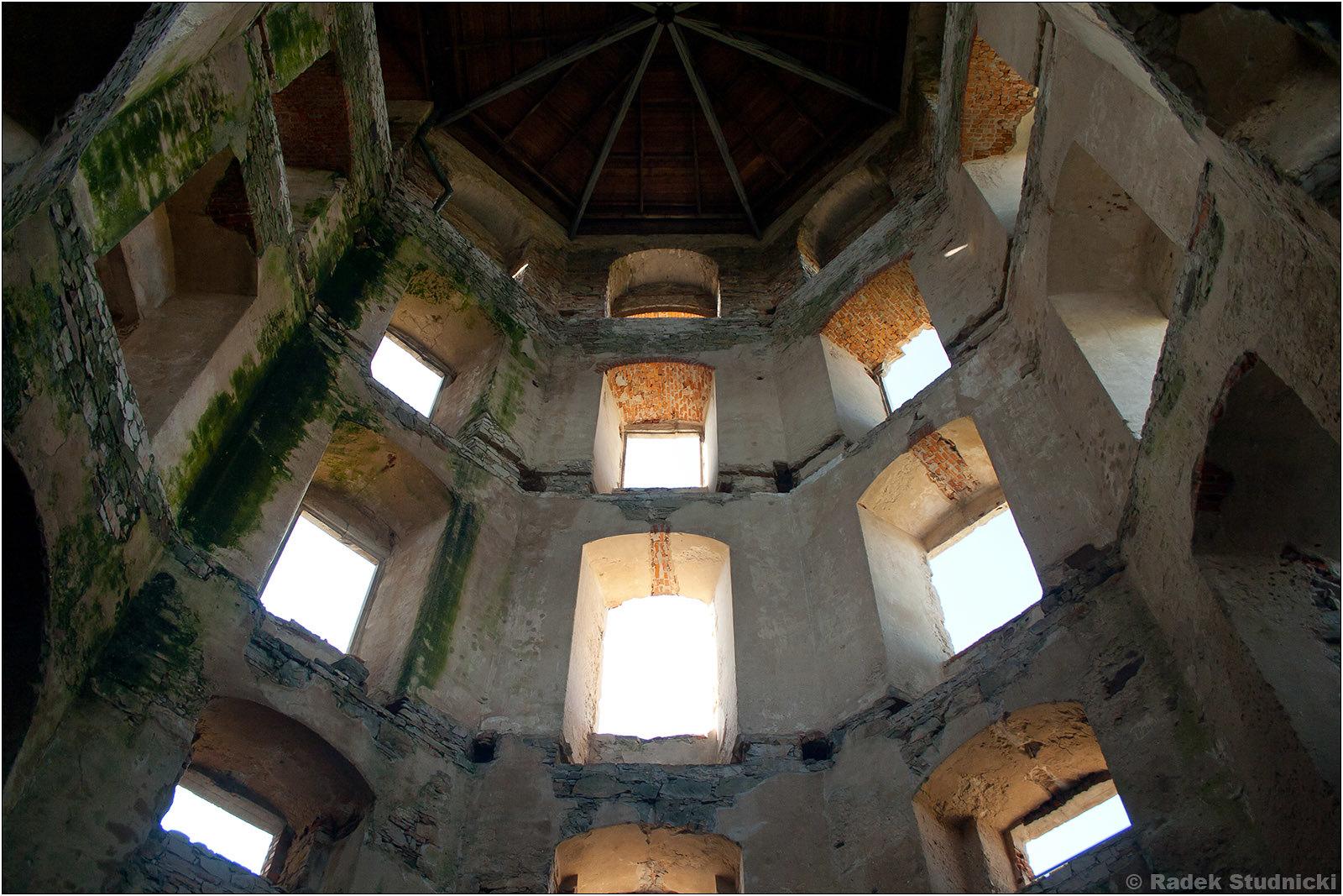Wnętrze zamku Krzyżtopór