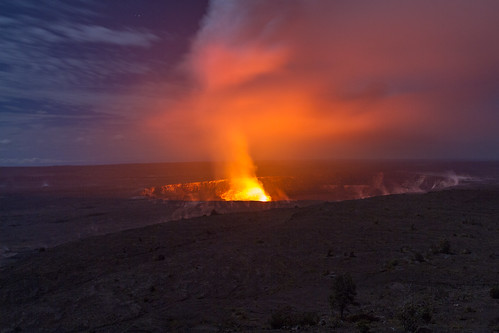 Long Exposure Kilauea Eruption at night