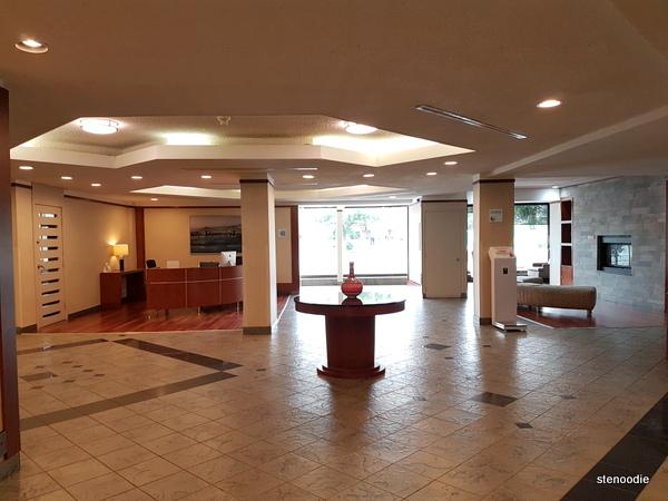 Quality Hotel Midtown lobby