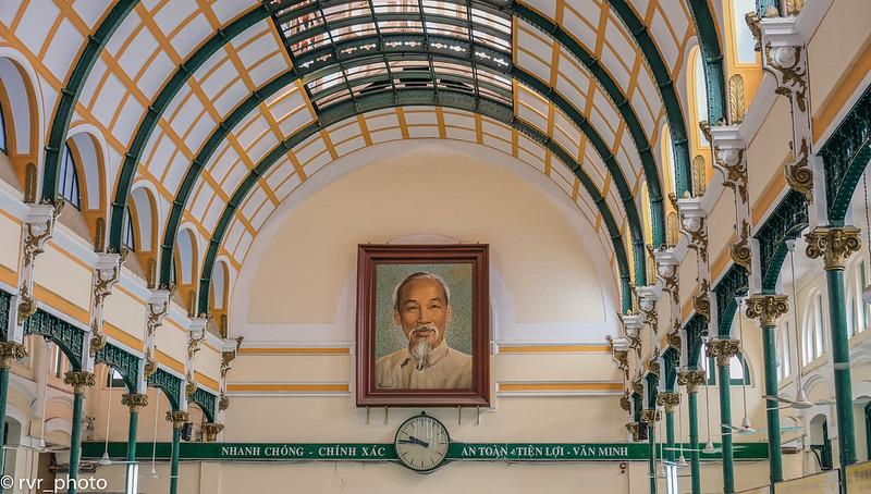 Interior Oficina Correos de Saigón, Vietnam