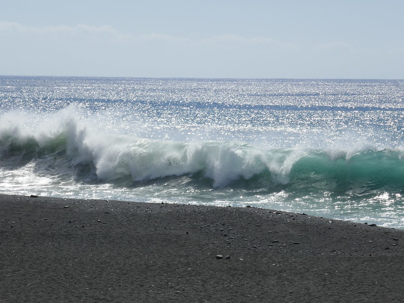 Puerto Tazacorte waves