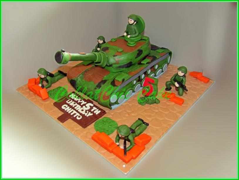 Cake ARMY Tank CHITTO 18 cm
