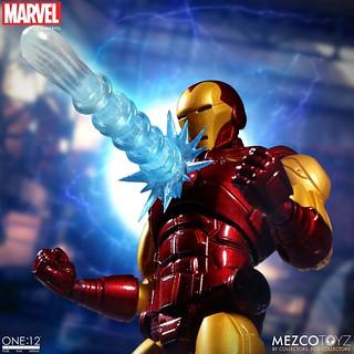 搭載豪華的配件內容超過癮~! MEZCO ONE:12 COLLECTIVE 系列 Marvel Comics【鋼鐵人】Iron Man 1/12 比例人偶作品