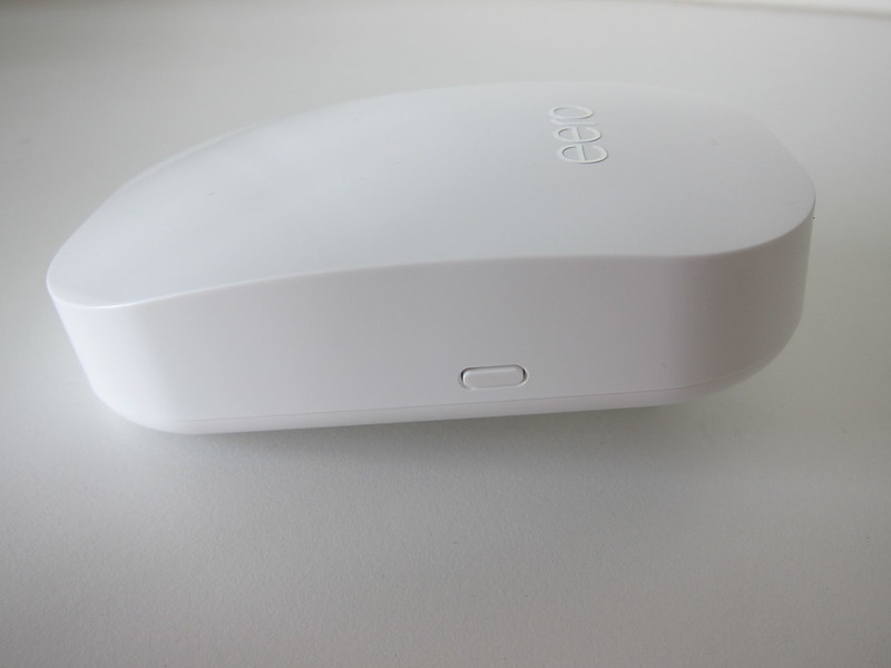 eero Beacon - Left - Nightlight Switch