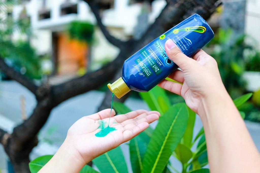 Moringa O2 2-in-1 Anti-Dandruff Shampoo and Conditioner