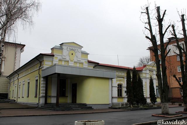 Колишній ляльковий театр (Сьогодні Хмельницький обласний науково-методичний центр культури і мистецтва)