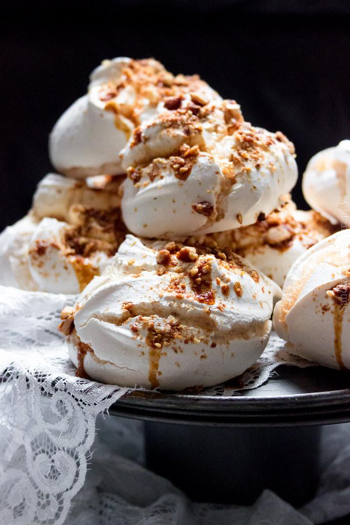 Spiced Praline meringues