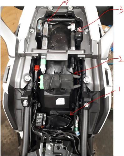 Under seat layout