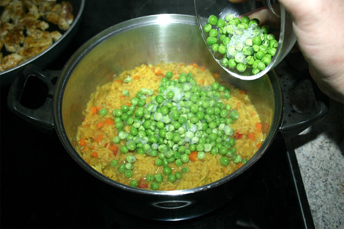 38 - Erbsen zum Reis geben / Add peas to rice