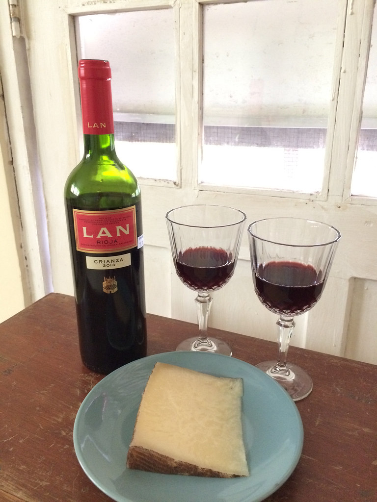 LAN Rioja Crianza and El Pastor Castellano Sheep Cheese 1