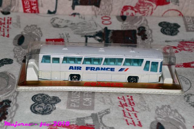 N°373 autocar néoplan 39370345185_df0f81a4cd_z