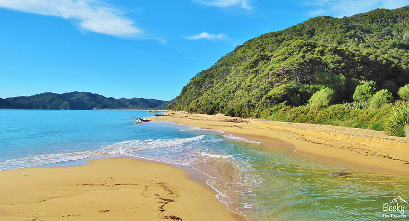 New Zealand Abel Tasman Trek - Golden beaches