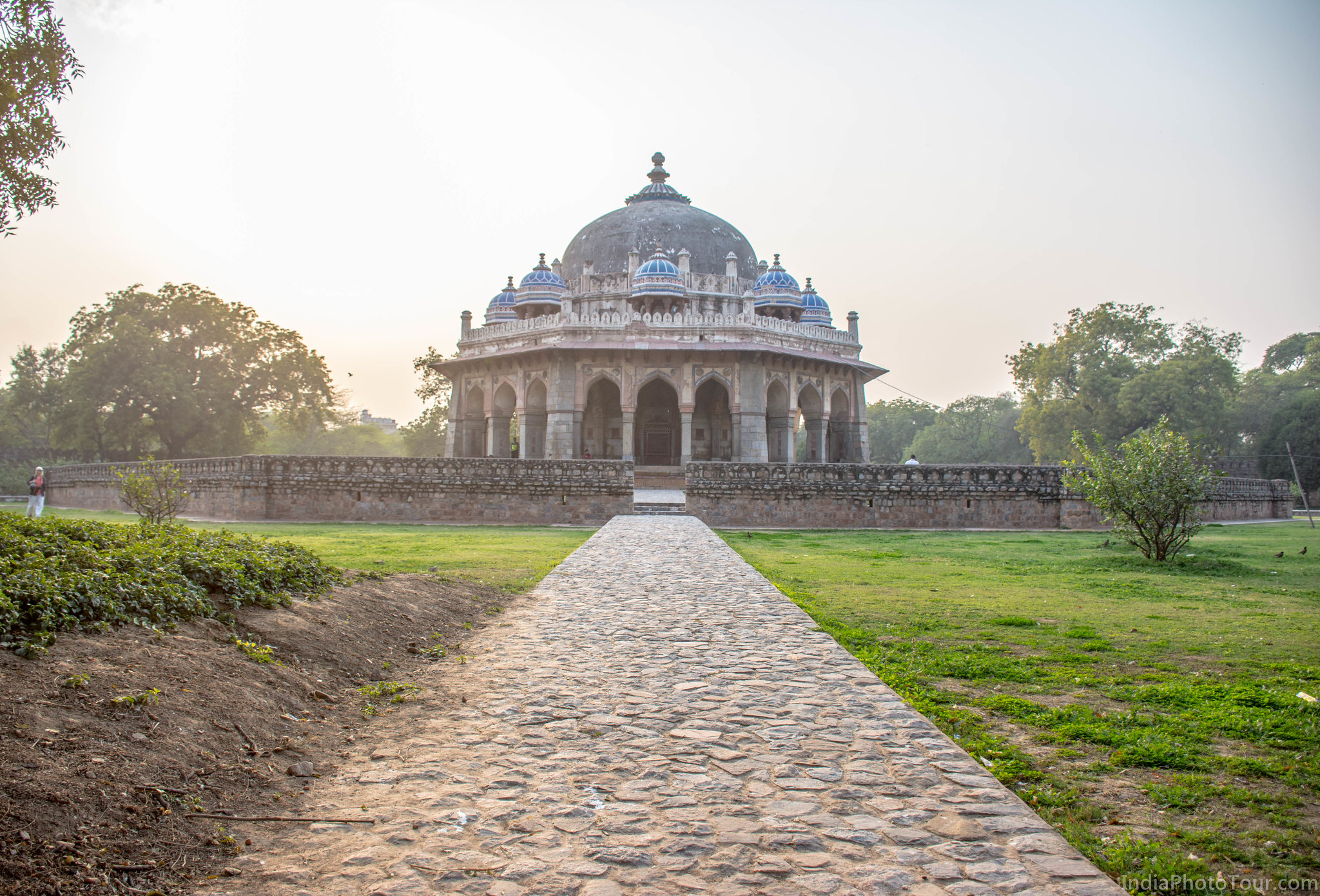 Another shot of Isa Khan's tomb from a different side
