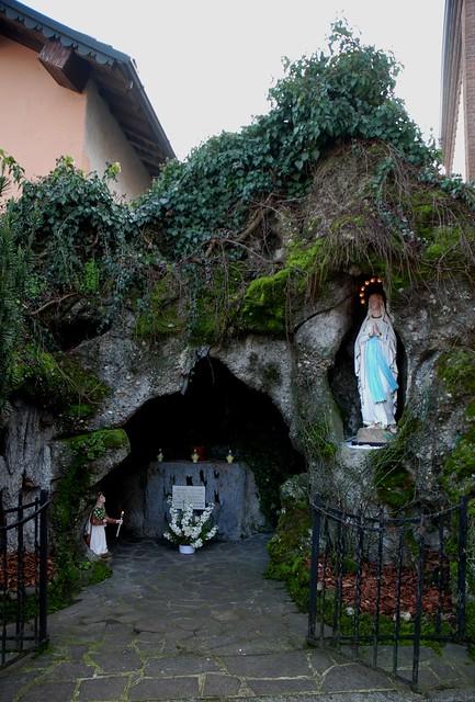 Restuaro statua della Madonna di Lourdes, 11 febbraio 2018