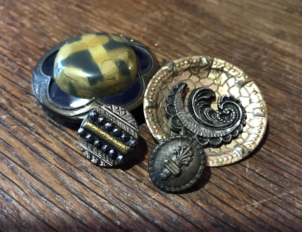 ... Vintage Celluloid and Antique Metal Buttons in My Collection | by lisby1