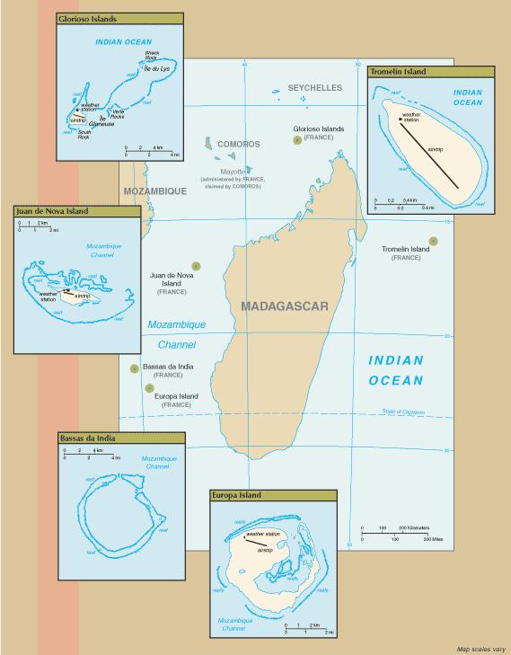 Maps of the Scattered Islands in the Indian Ocean. Anti-clockwise from top right: Tromelin Island, Glorioso Islands, Juan de Nova Island, Bassas da India, Europa Island. Banc du Geyser is not shown.