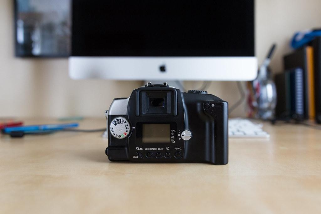 Canon EOS IX Lite (Back)