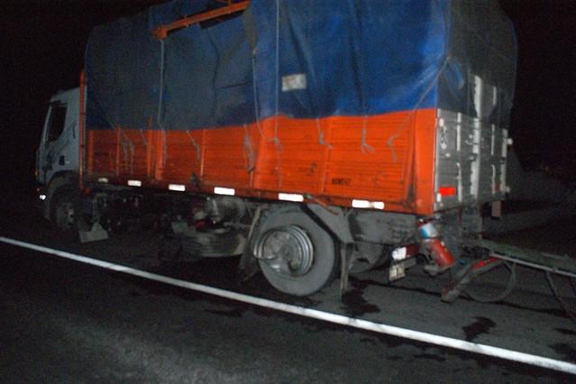 Violento choque de camiones en Lobos