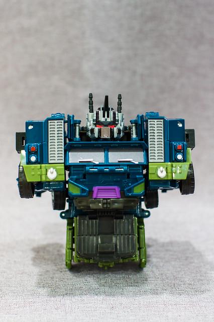 Bruticus Transforms 2