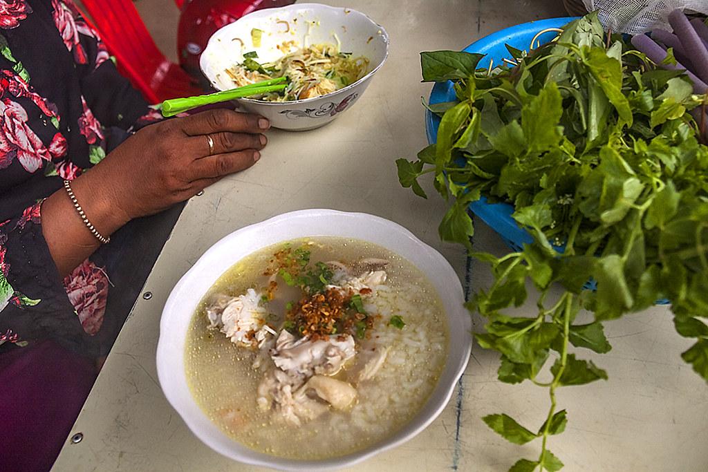 Chicken rice gruel--Akreiy Ksatr