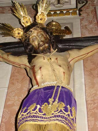 Hermandad y Cofradía de Nazarenos del Santísimo Cristo de La Vera-Cruz y María Santísima de Los Dolores.