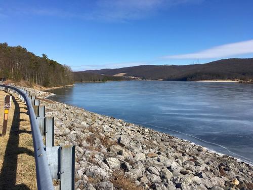 rockygapsp flinstone maryland alleganyco mdstateparks lakes lakehabeeb frozen ice mountains fences hff