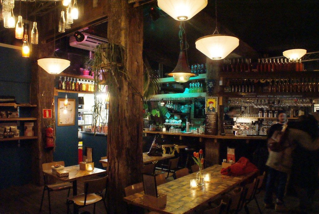 A l'intérieur du café De Ceuvel dans le nord d'Amsterdam.