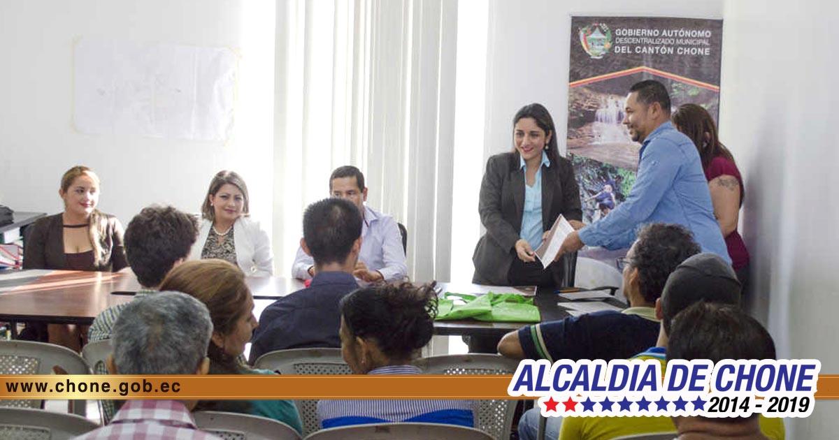Alcaldía de Chone entregó certificados a inversionistas turísticos