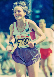 Gisela kurz vor dem Ziel des Hamburg-Marathons