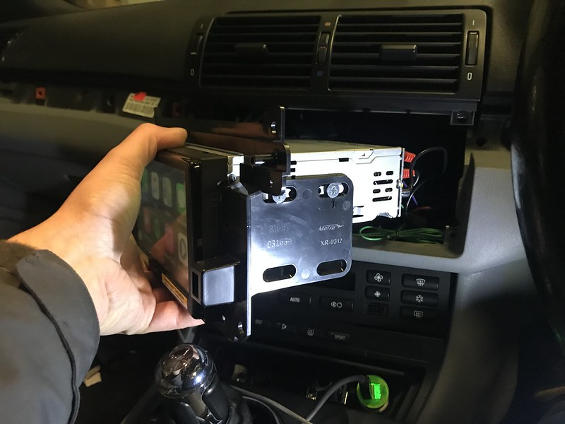 what big screen radio fits my bmw e46???? - Page 1 - BMW