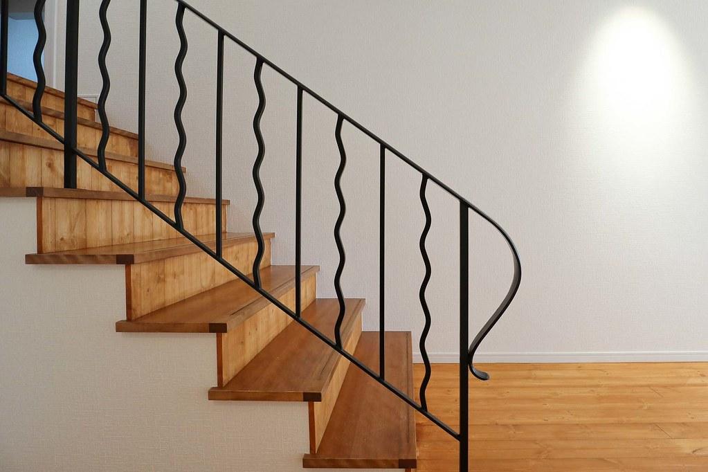 葉山の中古戸建:階段