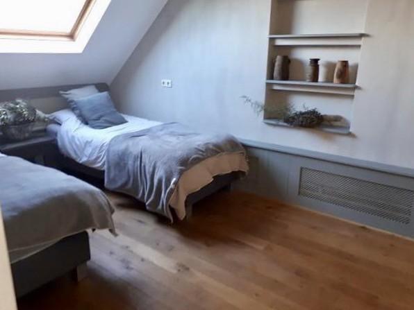 Slaapkamer aardetinten kalkverf
