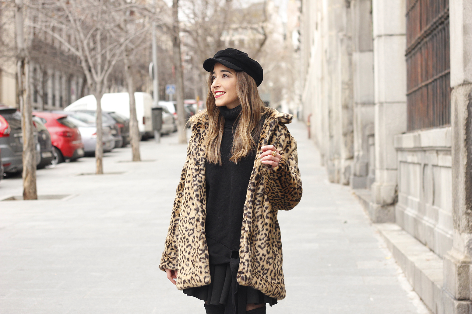 leopard coat black outfit over the knee boats givenchy black cap winter outfit08