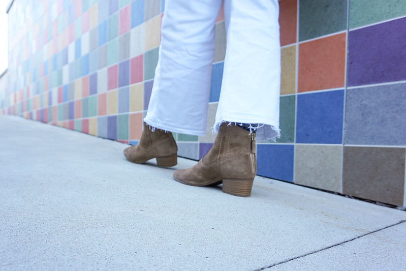 white-cropped-jeans-suede-ankle-boots-8