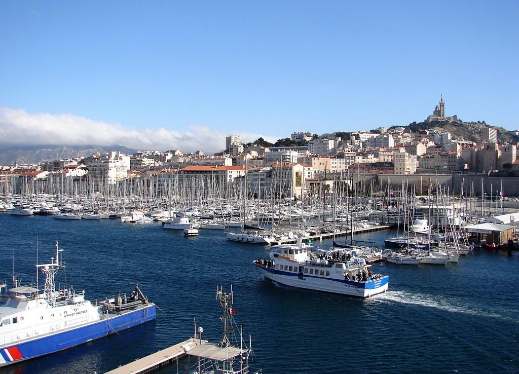 Vieux port bouches du rh ne france tripcarta - Distance gare st charles vieux port marseille ...