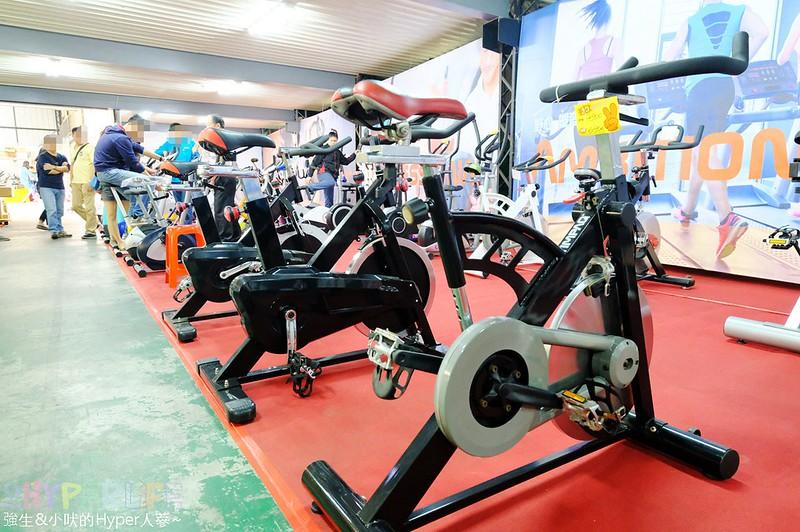 健身房規格,健身腳踏車購買,台中健身器材,台中廠拍,台中特賣會,甩油剪胖,血拼,血拼買物,跑步機購買 @強生與小吠的Hyper人蔘~