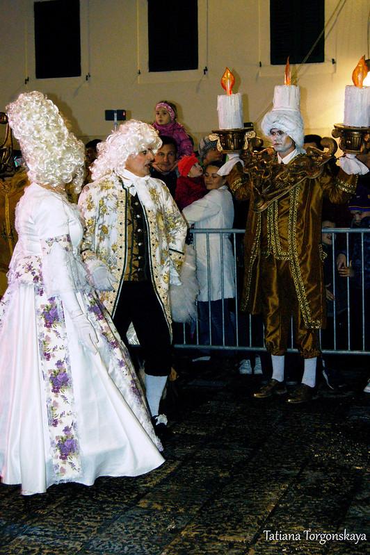Выступление тиватской карнавальной группы в Херцег Нови