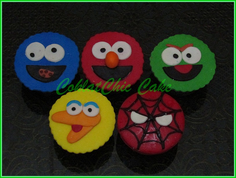 Cupcake Sesame Street + spiderman