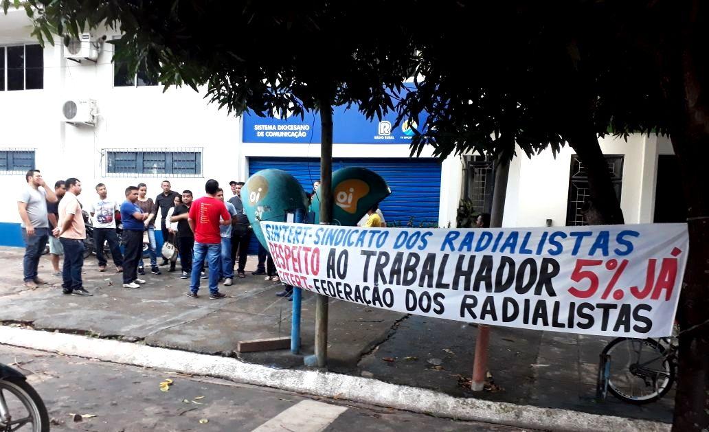 Uma paralisação de 12 horas que vale por 70 anos de rádio, por Jota Ninos, greve rural