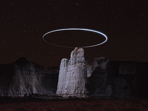 light-paths-of-drones-photography-lux-noctis-project-reuben-wu-8-5a9f99a8e4188__880