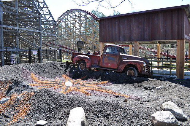 Twisted Timbers opens at Virginia's Kings Dominion