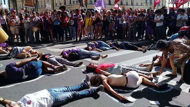 En la ciudad de Porto Alegre aconteció una marcha contra el feminicidio este jueves (8) por la mañana - Créditos: MST
