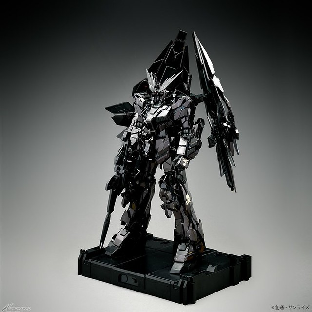STRICT-G×mastermind JAPAN 聯名第4彈! PG 1/60《機動戰士鋼彈UC》獨角獸鋼彈3號機「鳳凰」mastermind JAPAN Ver.
