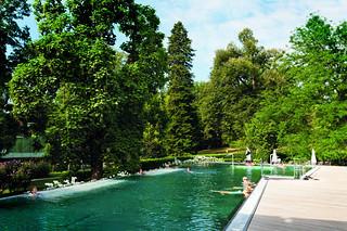 Becken im Freien beim Kurhaus Bad Gleichenberg