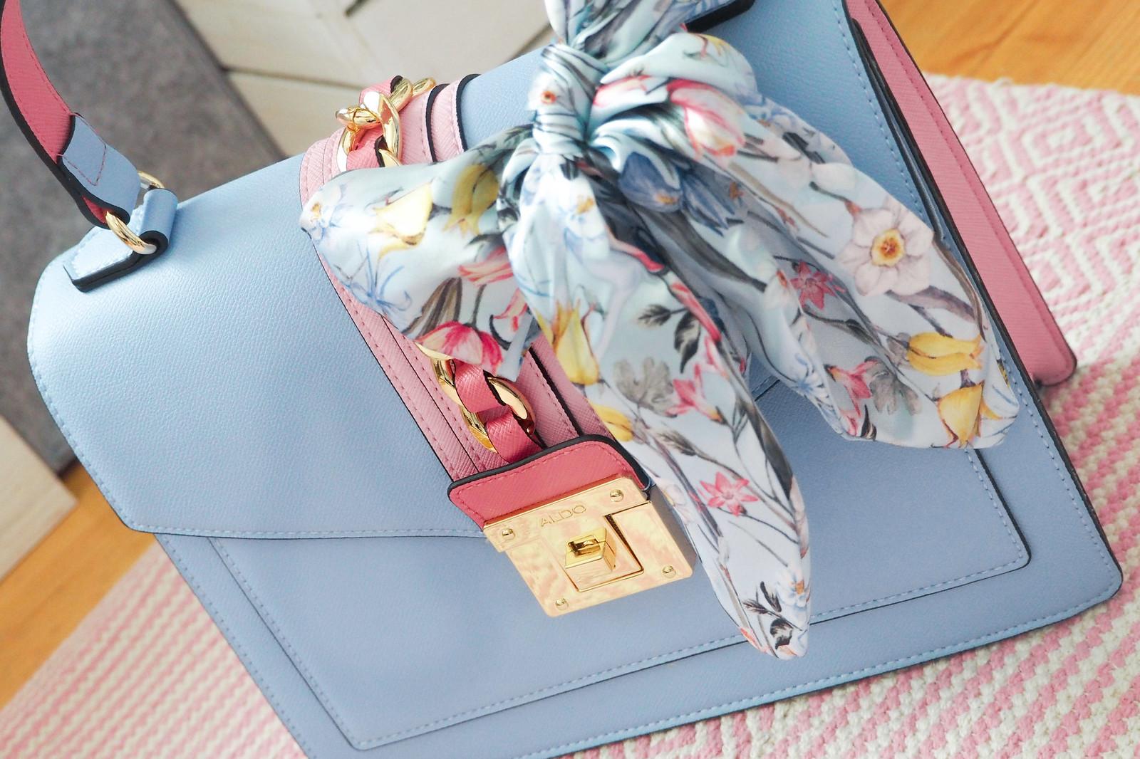 Vaaleansinen ja vaaleanpunainen laukku Aldo-2