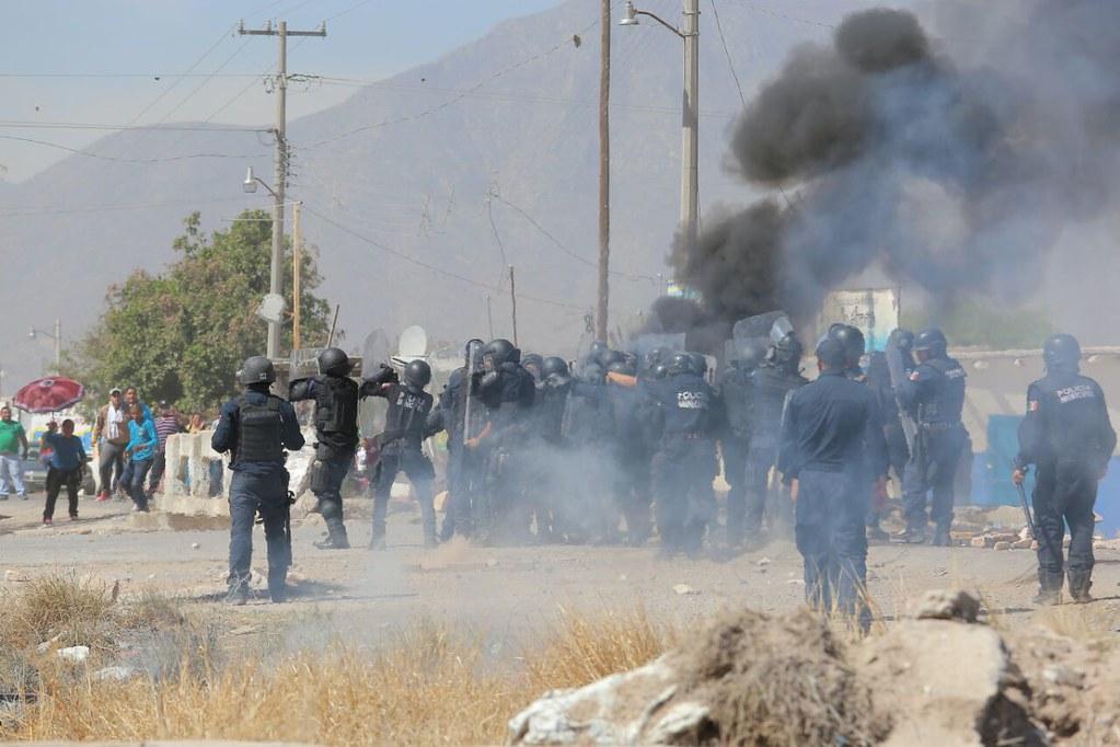 PÁG. 4 (2). Elementos de las policías municipal de Gómez Palacio y estatal de Durango ejercieron la represión en contra de los habitantes del poblado Dinamita el pasado