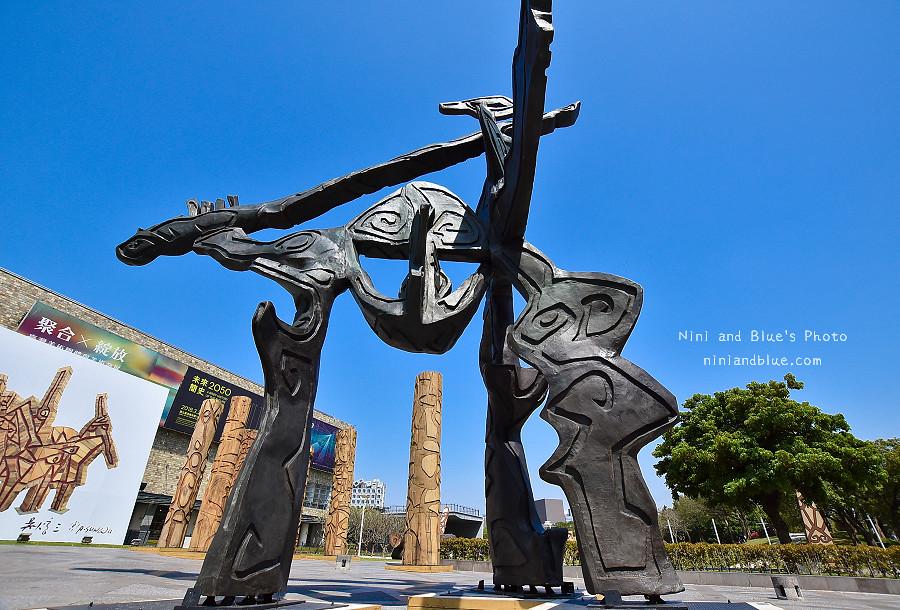 39146302900 3b0fe17c26 b - 吳炫三回顧展,巨型木雕圖騰.狂野震撼.台中新景點