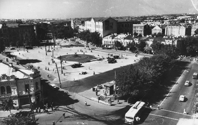 Сенная площадь (Львовская площадь), 1958-й год