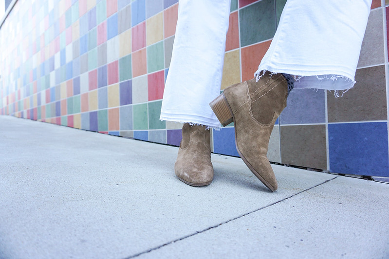 white-cropped-jeans-suede-ankle-boots-6